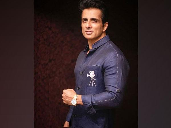 Actor Sonu Sood (Image Source: Twitter)