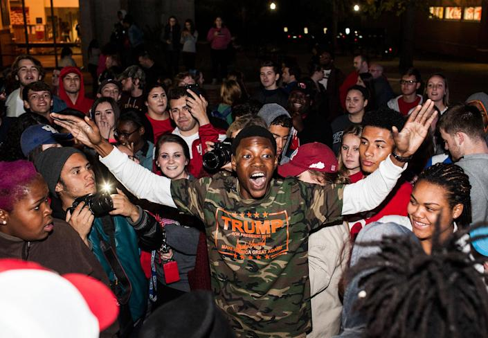 <p>Nate Washington, Jr., reacts to people in the crowd during a clash between anti-Trump protestors and Trump supporters at Western Kentucky University, Wednesday, Nov. 9, 2016, in Bowling Green, Ky. (Photo: Austin Anthony/Daily News via AP) </p>