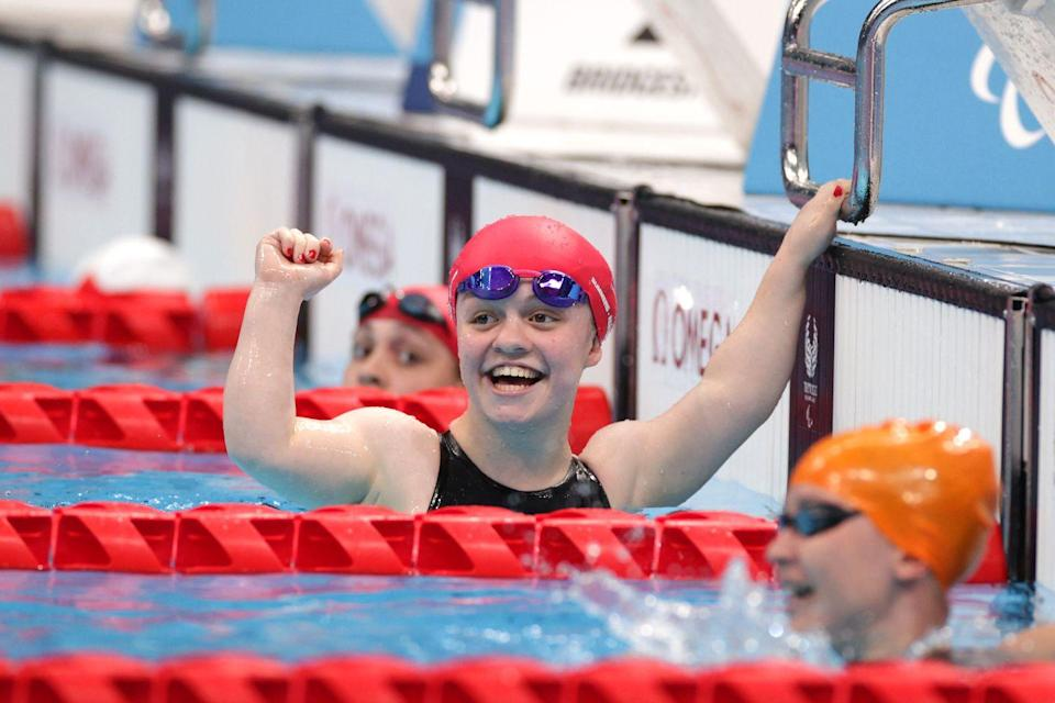 <p>Competing in the women's 200m SM6 medley final, Team GB's Summers-Newton broke the world record (and set a new one) to finish first in 2.56.68 minutes.<br></p>