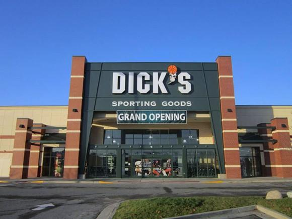 Dicks Sporting Goods Tempers Expectations With Q3 Results-8937