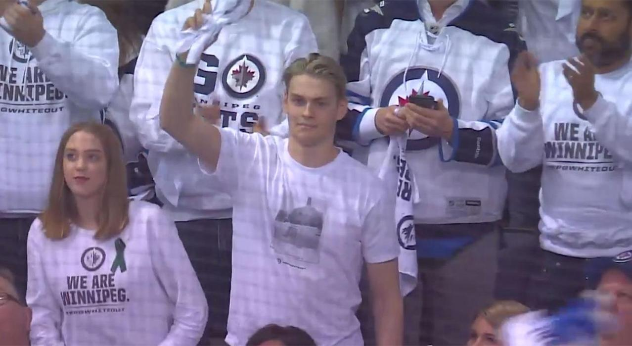 Humboldt Broncos player given standing ovation at Jets game
