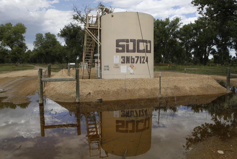 Colorado flooding triggers oil spills, shutdowns
