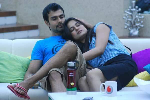 Having grown fond of each other in supersonic speed, these two took steamy and onscreen intimacy to the next level on <em>Bigg Boss 4</em>. Their affair continued for a brief period post-show, delaying the Pakistani actress's return, but went kaput soon after. A friend close to Ashmit claims that it was always one-sided from Veena; Ashmit wasn't that into her, but they tried to get lucky with their little romance as long as it lasted. Veena, returned to home, married a businessman, but divorced her husband in 2018 on grounds of violence. She has two children from the marriage.