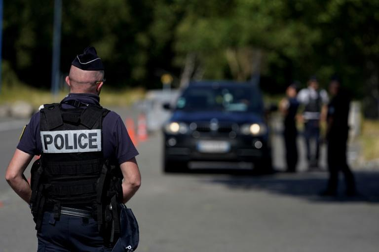 After a confused message from their own government, Belgians hoped to visit family members in France. French police turned them back