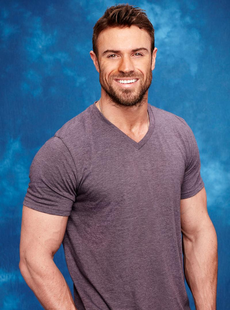 We Spent 10 Minutes With The Bachelorette S Chad Johnson Irl And This Is What We Learned