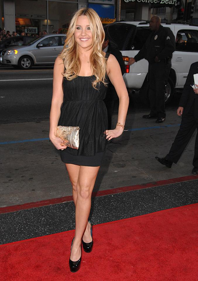 """<a href=""""http://movies.yahoo.com/movie/contributor/1804649503"""">Amanda Bynes</a> at the Los Angeles premiere of <a href=""""http://movies.yahoo.com/movie/1810038675/info"""">17 Again</a> - 04/14/2009"""