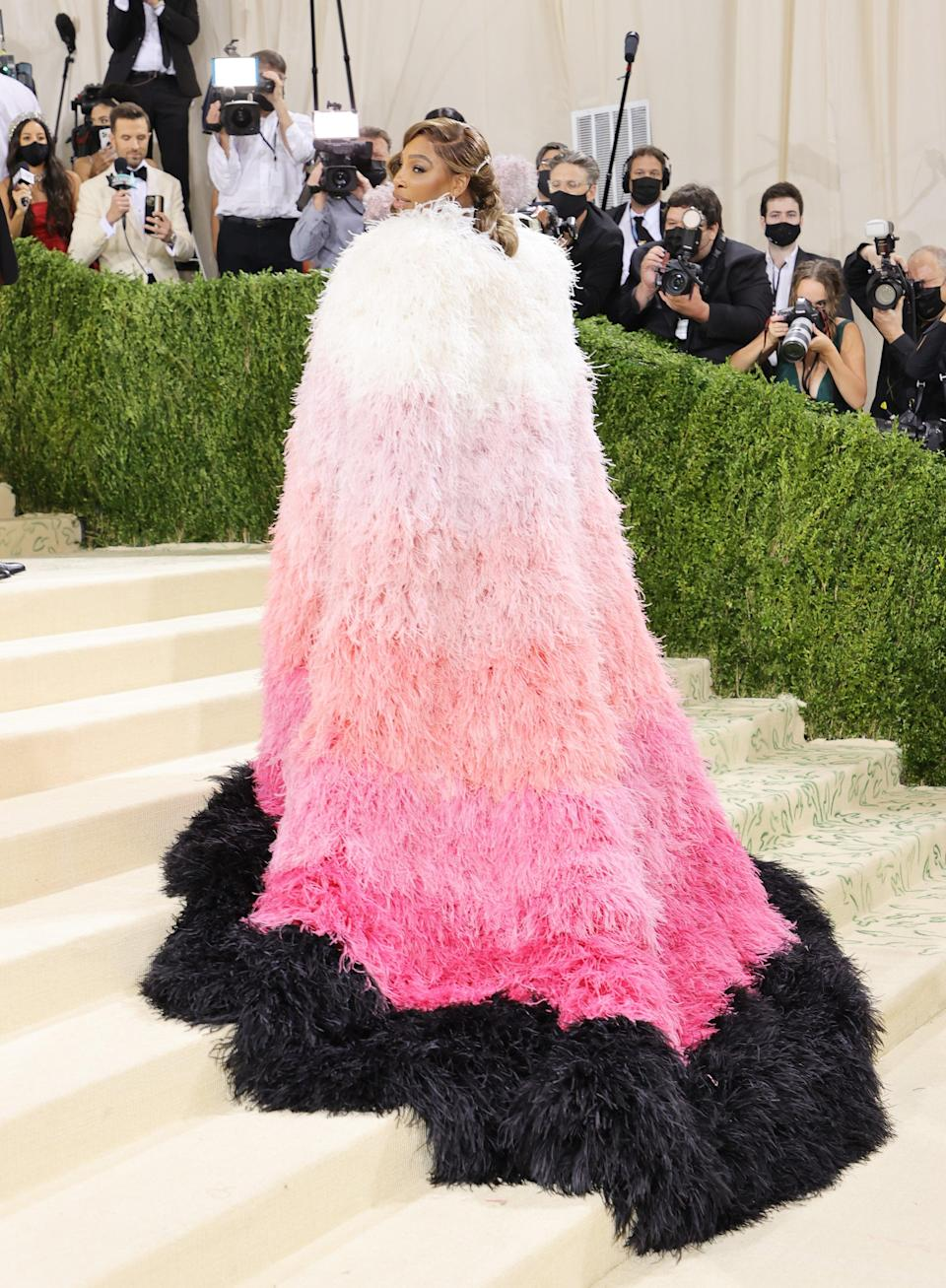 <h2>Serena Williams</h2><br>Serena Williams serves on and off the court, as proven with this ombré feather look.