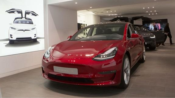 Tesla Model 3 Now Costs 35 000 If You Count Incentives And Squint Really Hard