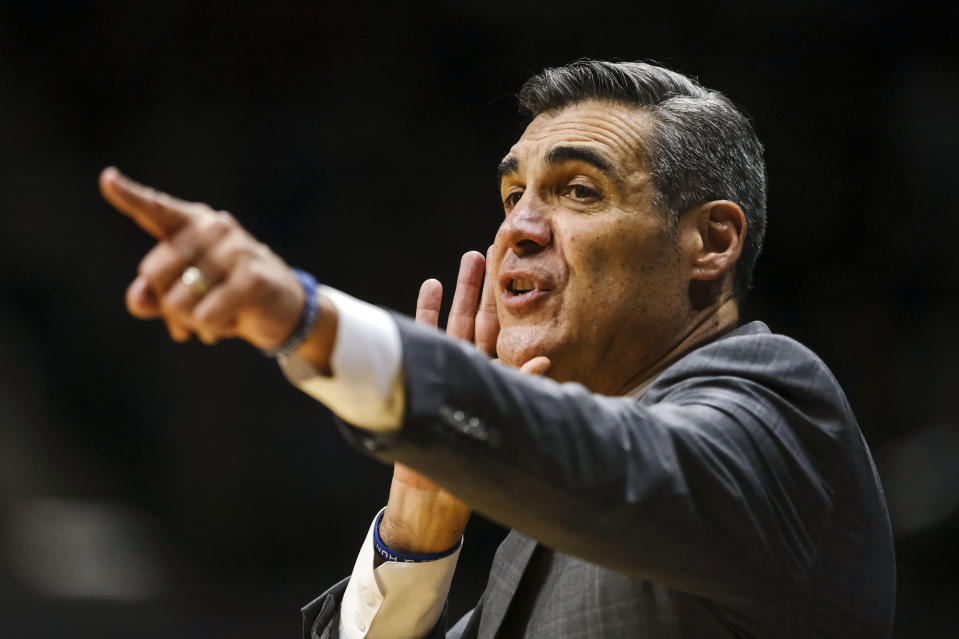 Jay Wright says he's not interested in 76ers opening. (AP Photo/AJ Mast)