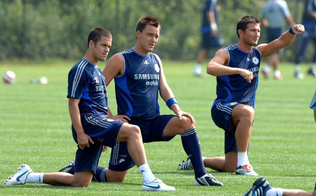 "Why isn't soccer more popular in the States? Visiting footballers Joe Cole, John Terry, and Frank Lampard of Chelsea warm up while training at UCLA. Chris Whittle/<a href=""http://www.splashnewsonline.com"" target=""new"">Splash News</a> - July 27, 2006"