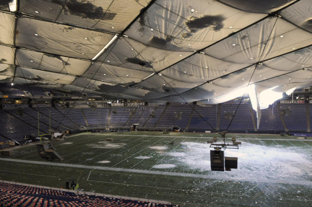 <p>A December snowstorm in Minneapolis forced the Minnesota Vikings to postpone their game against the New York Giants from Sunday to Monday. Unfortunately, the Metrodome roof collapsed on Sunday evening so the game was moved to Ford Field in Detroit. </p>