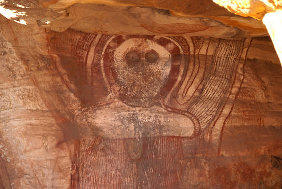 After a 1500-year drought, rock art changed from an earlier style called Gwion and the Wandjina paintings emerged. The Wandjina figures have round faces with big eyes.
