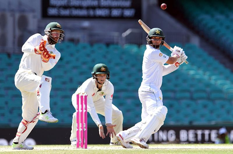 Australia ease to clean sweep as spinners turn screw on Pakistan