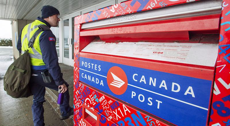 Canada Post announced a series of changes to their mail service in wake of the COVID-19 pandemic. (Ryan Remiorz/CP)