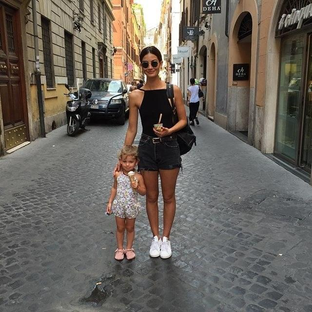 """<div class=""""caption""""> Married to the Kings of Leon frontman Caleb Followill, <a href=""""https://www.wmagazine.com/topic/lily-aldridge?mbid=synd_yahoo_rss"""" rel=""""nofollow noopener"""" target=""""_blank"""" data-ylk=""""slk:Lily Aldridge"""" class=""""link rapid-noclick-resp"""">Lily Aldridge</a> gave birth to her daughter, Dixie Pearl, in 2012, and has of course gone straight back to modeling in the years since. </div> <cite class=""""credit"""">Courtesy of <a href=""""https://www.instagram.com/lilyaldridge/"""" rel=""""nofollow noopener"""" target=""""_blank"""" data-ylk=""""slk:@lilyaldridge"""" class=""""link rapid-noclick-resp"""">@lilyaldridge</a></cite>"""