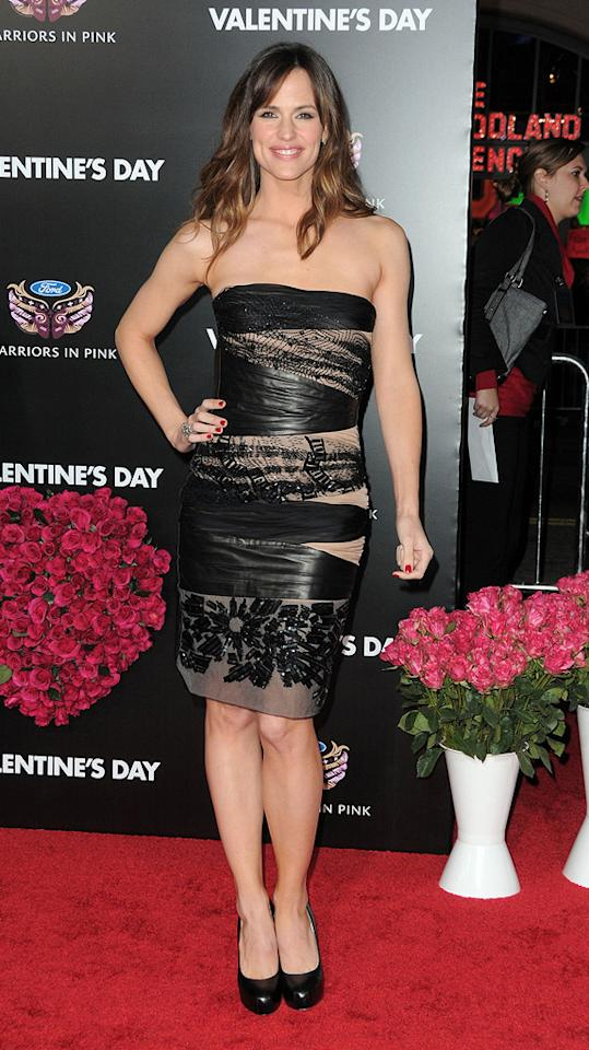 """<a href=""""http://movies.yahoo.com/movie/contributor/1800338890"""">Jennifer Garner</a> at the Los Angeles premiere of <a href=""""http://movies.yahoo.com/movie/1810094501/info"""">Valentine's Day</a> - 02/08/2010"""