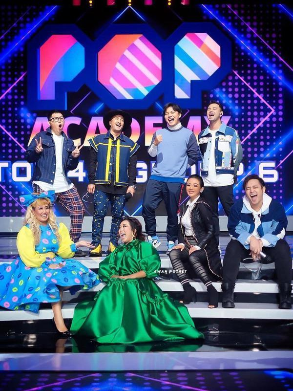Host Pop Academy (Sumber: Instagram/showimah)