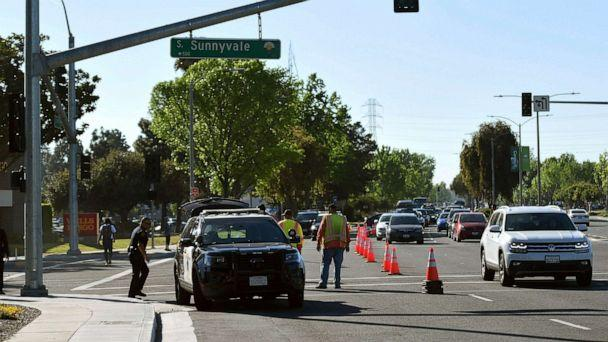 PHOTO: Police investigate the scene of car crash at the intersection of El Camino Real and Sunnyvale Road in Sunnyvale, Calif., April 24, 2019. (Cody Glenn/AP)