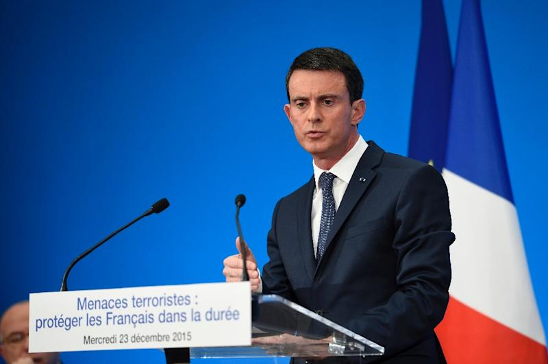 French Prime Minister Manuel Valls speaks during a press conference at the Elysee presidential palace in Paris, on December 23, 2015 (AFP Photo/Eric Feferberg)