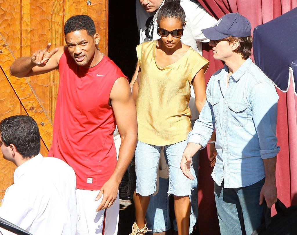 """Will Smith, Jada Pinkett Smith, and Tom Cruise were spotted leaving the Saddle Ranch, LA's cheesy Western-themed bar, on Monday after a table read for a movie called """"Paper Wings,"""" which is being developed by Smith's production company, Overbrook Entertainment. Kmm/<a href=""""http://www.x17online.com"""" target=""""new"""">X17 Online</a> - July 12, 2010"""