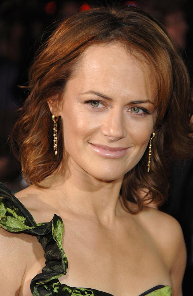 "<a href=""http://movies.yahoo.com/movie/contributor/1807614757"">Sarah Clarke</a> at the Westwood premiere of <a href=""http://movies.yahoo.com/movie/1810010670/info"">Twilight</a> - 11/17/2008"