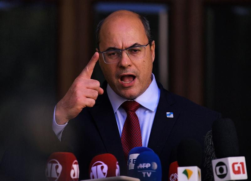TOPSHOT - Rio Governor Wilson Witzel addresses the media at his official residence in Rio de Janeiro, Brazil on August 28, 2020. - Brazil's High Court of Justice removed Rio de Janeiro Governor Wilson Witzel from office Friday, as police raided his official residence in a probe into accusations he stole emergency funds to fight the coronavirus pandemic. (Photo by CARL DE SOUZA / AFP) (Photo by CARL DE SOUZA/AFP via Getty Images)