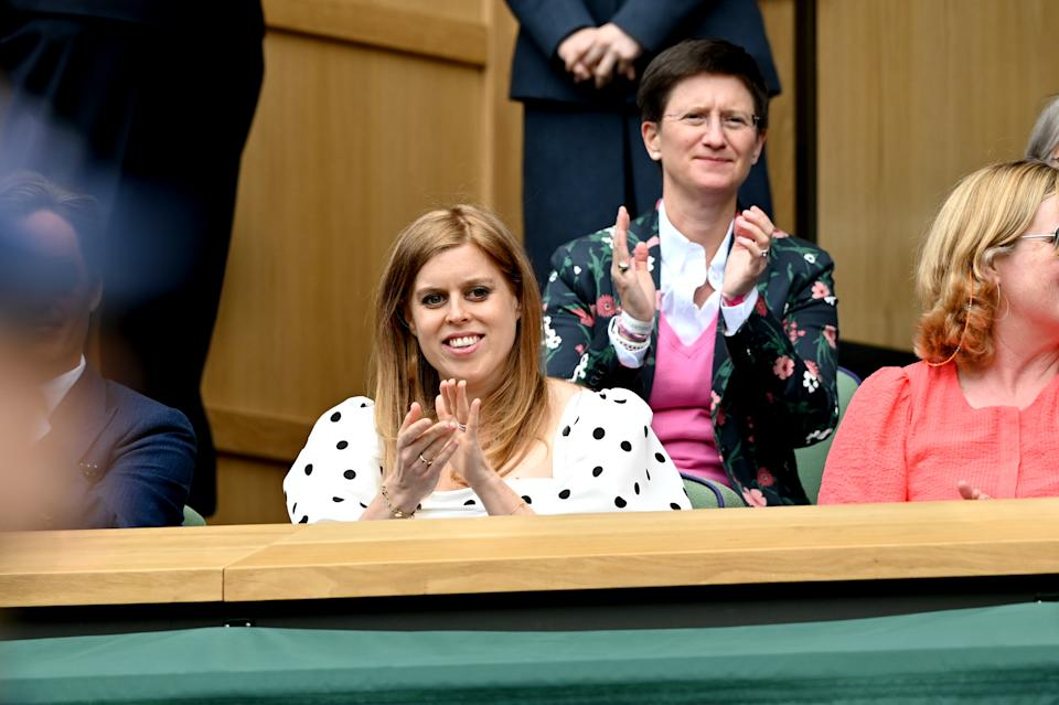 LONDON, ENGLAND - JULY 08: Princess Beatrice, Mrs Edoardo Mapelli Mozzi attends Wimbledon Championships Tennis Tournament at All England Lawn Tennis and Croquet Club on July 08, 2021 in London, England. (Photo by Karwai Tang/WireImage)