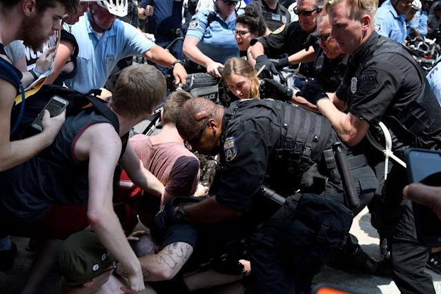 Police clears protestors from ICE offices in Philadelphia. (Photo: Bastiaan Slabbers/NurPhoto via Getty Images)