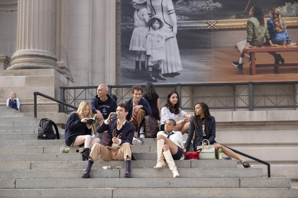 The fresh-faced cast from the Gossip Girl reboot