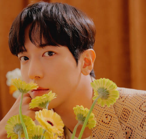 Jung Yong-hwa's first Chinese EP album 'Stay in Touch' will be released on his birthday, 22 June