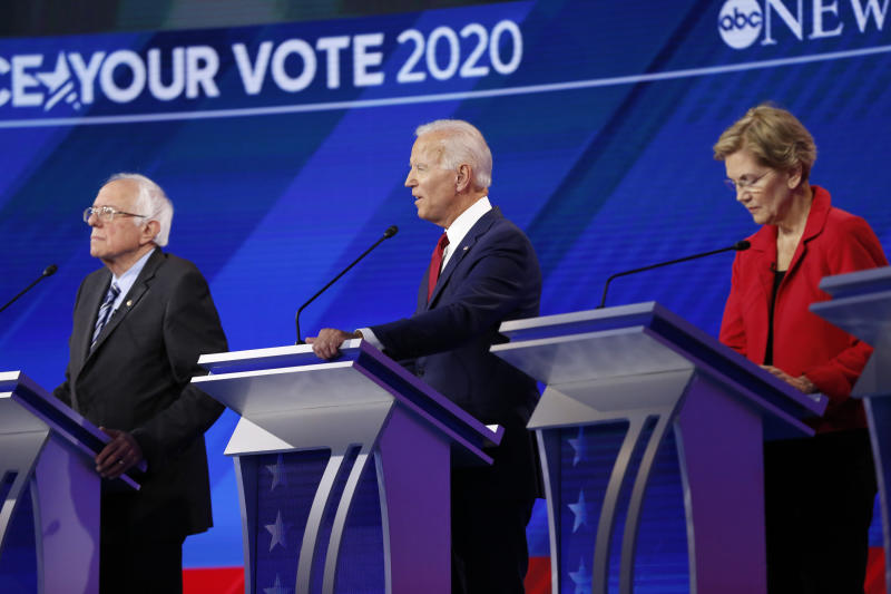 US-Demokraten BERNIE SANDERS, JOE BIDEN, ELIZABETH WARREN (Heidi Gutman/Walt Disney Television via Getty Images)