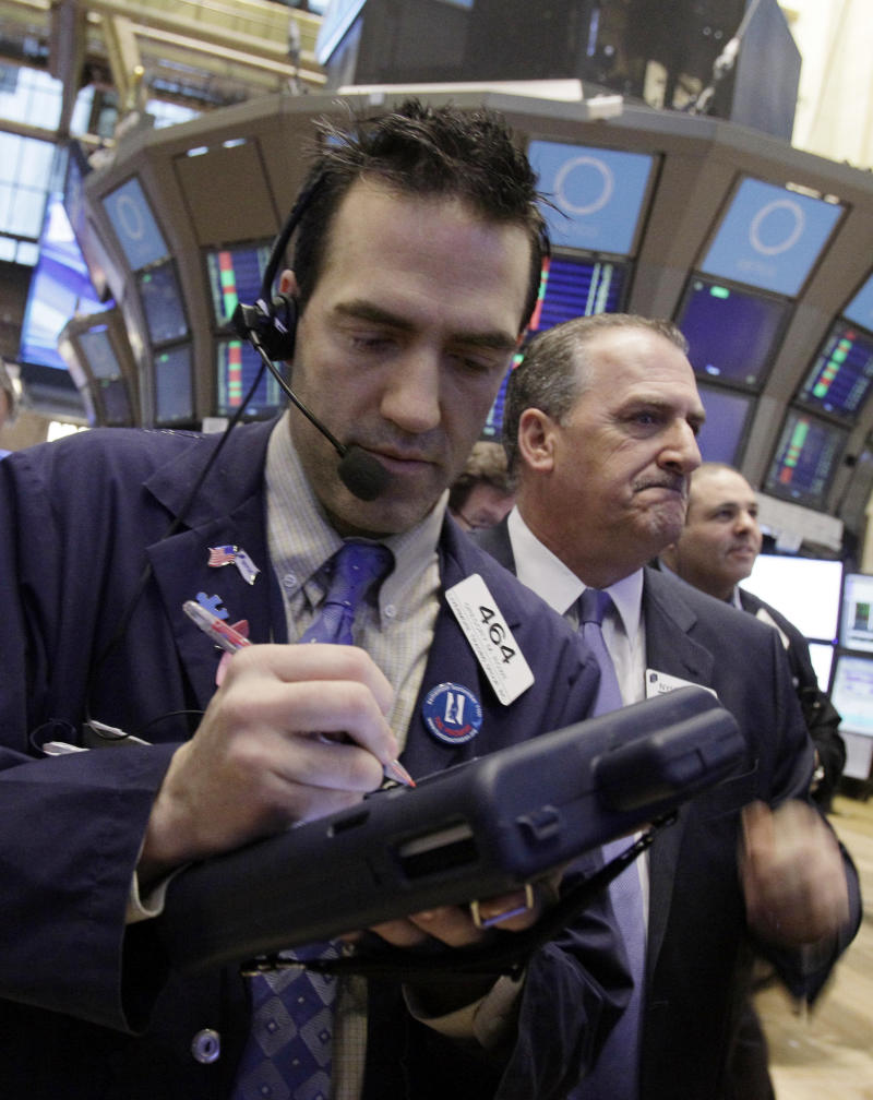 Stocks suffer worst loss in a month; Dow off 125
