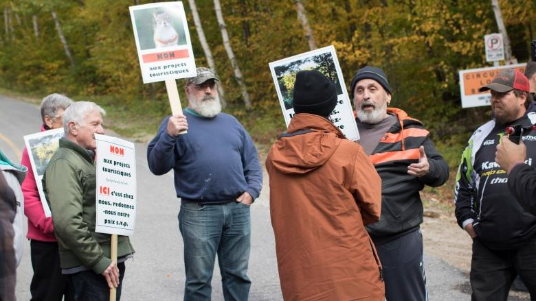 West Quebec mayors accept plan to block entry to popular mine