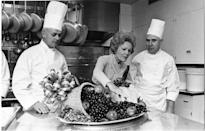 <p>In this 1970 photo, Mrs. Nixon views the Thanksgiving turkey and vegetables. <i>(Photo: Nixon Presidential Library and Museum/NARA)</i> </p>