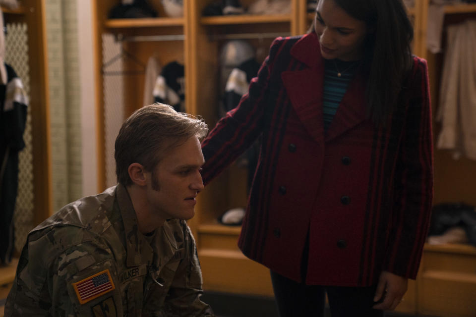 John Walker (Wyatt Russell) and Olivia Walker (Gabrielle Byndloss) in Marvel Studios' THE FALCON AND THE WINTER SOLDIER exclusively on Disney+. Photo by Eli Adé. ©Marvel Studios 2021. All Rights Reserved.