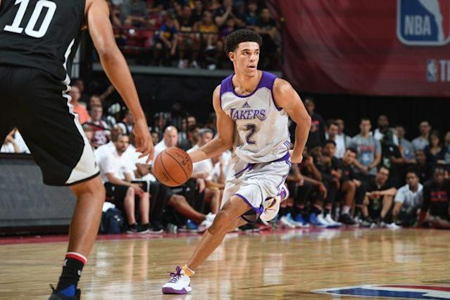 "<a class=""link rapid-noclick-resp"" href=""/ncaab/players/136151/"" data-ylk=""slk:Lonzo Ball"">Lonzo Ball</a> struggled in his first NBA Summer League game."