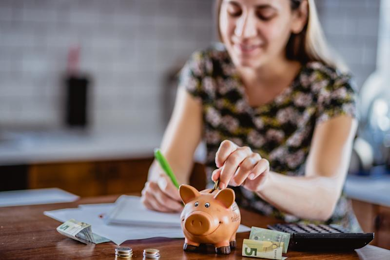 What do financial experts do with their money? (Source: Getty)