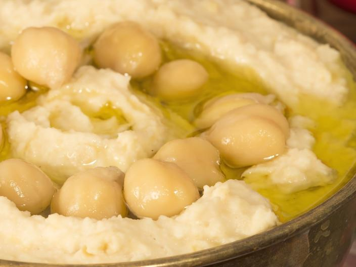 syrian traditional hummus