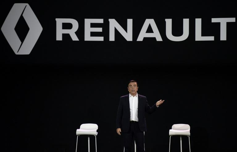 Pay cut keeps Carlos Ghosn driving Renault
