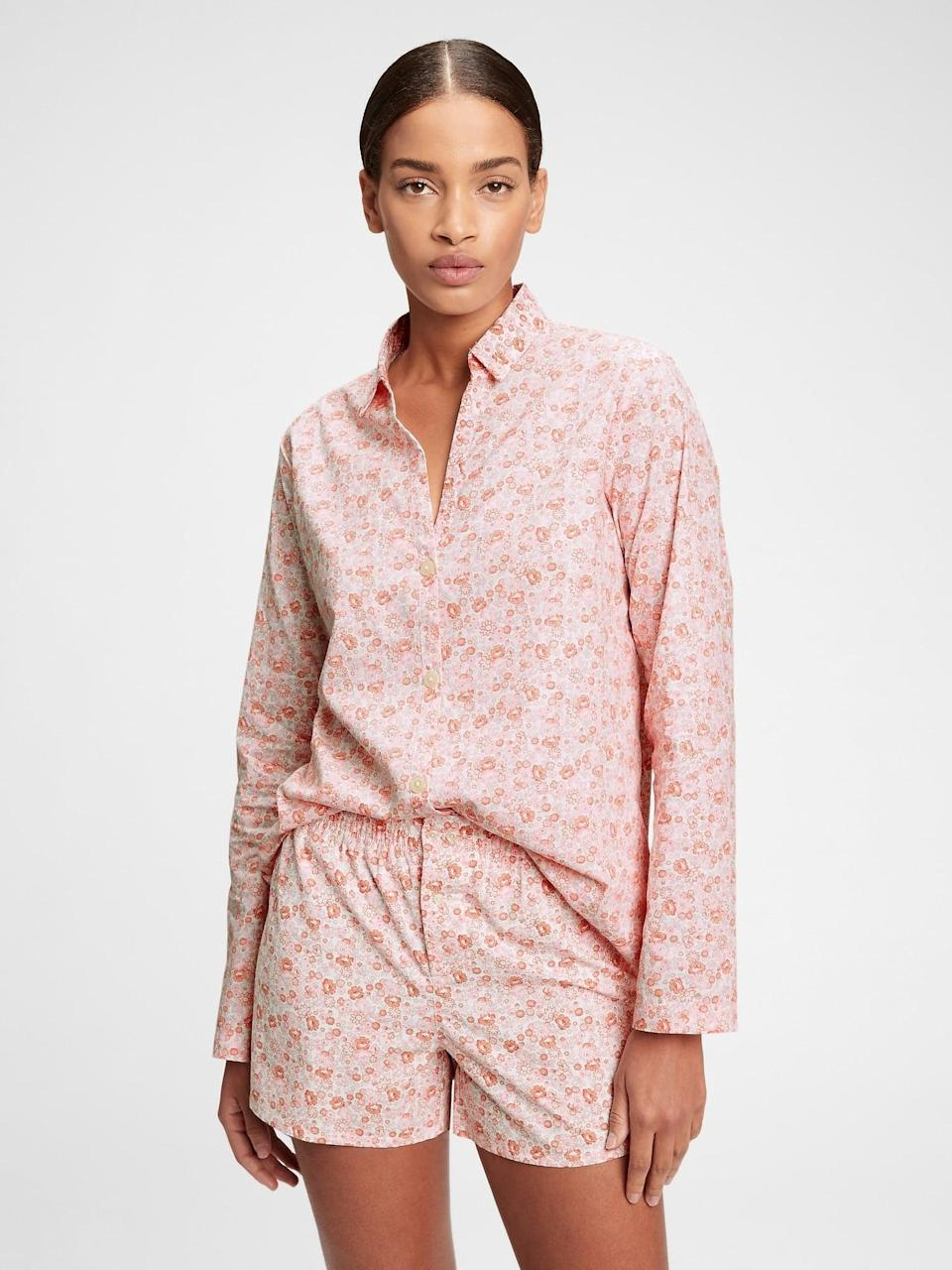 <p>I'm always on the hunt for great pajamas. This ditzy floral <span>Gap Pajama Shirt in Poplin</span> ($35) is perfect for the spring.</p>