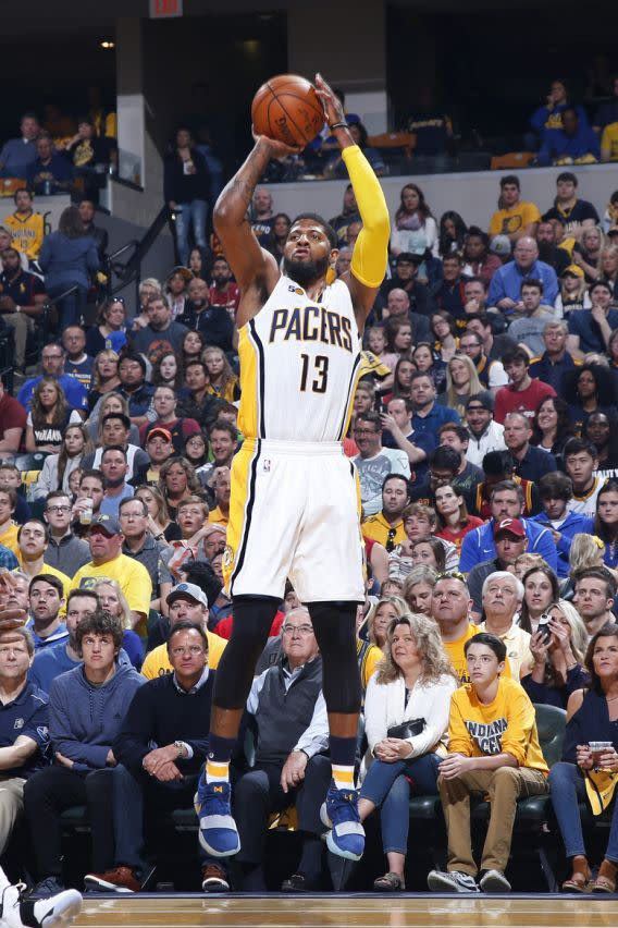 <p>INDIANAPOLIS, IN – APRIL 23: Paul George #13 of the Indiana Pacers shoots the ball against the Cleveland Cavaliers in Game Four of the Eastern Conference Quarterfinals during the 2017 NBA Playoffs at Bankers Life Fieldhouse on April 23, 2017 in Indianapolis, Indiana. The Cavaliers defeated the Pacers 106-102 to sweep the series 4-0. NOTE TO USER: User expressly acknowledges and agrees that, by downloading and or using the photograph, User is consenting to the terms and conditions of the Getty Images License Agreement. (Photo by Joe Robbins/Getty Images) (圖片來源:The Associated Press) </p>