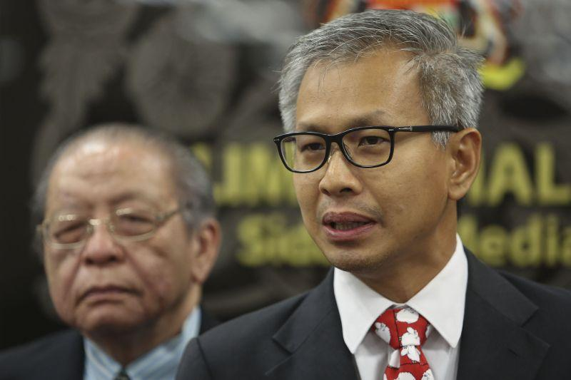 DAP leader Tony Pua scoffed at Najib's assertion that he had been vindicated when the ministry stated that the official government debt was only RM686 billion. ― Picture by Yusof Mat Isa