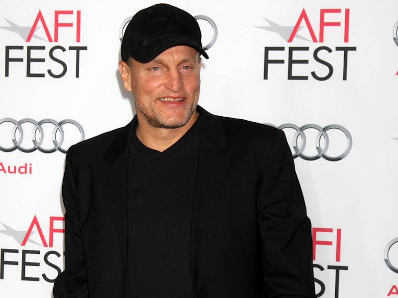 Woody Harrelson loves bringing famous friends together for dinner