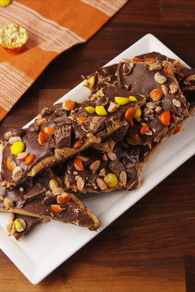"<p>Peanut butter lovers won't be able to stay away.</p><p>Get the recipe from <a rel=""nofollow"" href=""http://www.delish.com/cooking/recipe-ideas/recipes/a55919/loaded-reeses-bark-recipe/"">Delish</a>.</p><p><strong><em>BUY NOW: Calphalon Nonstick Bakeware, $30; <a rel=""nofollow"" href=""https://www.amazon.com/Calphalon-Nonstick-Bakeware-Baking-2-Piece/dp/B008BUKO6G/?tag=syndication-20&&ascsubtag=[artid"">amazon.com</a>.</em></strong></p>"