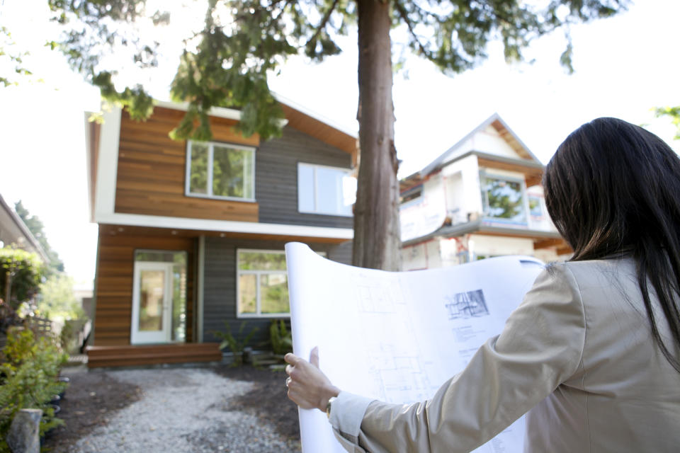 Here's why buying off the plan is a bad idea, argues property expert MIchael Yardney. (Source: Getty)