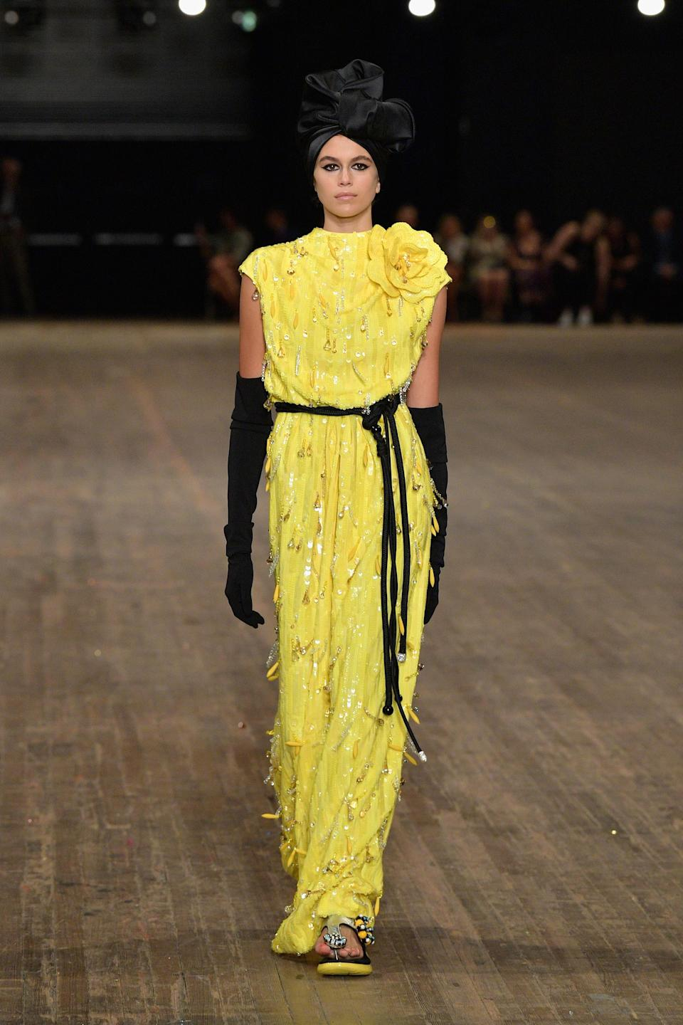 <p>Kaia was almost unrecognisable in Marc Jacobs' tropical SS18 show.<br><i>[Photo: Getty]</i> </p>