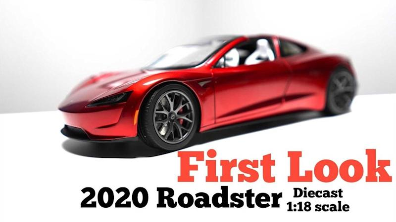 2020 Tesla Roadster >> What Does First Diecast Unboxing Reveal About 2020 Tesla