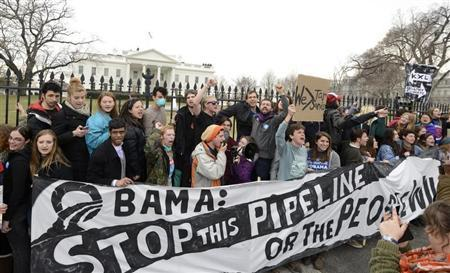 Environmentalists protest against the Keystone XL pipeline at the White House