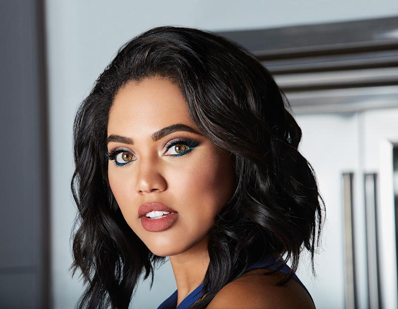 how covergirl ayesha curry empowers her daughter riley  6