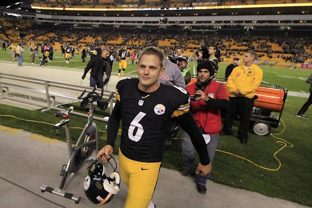 Pittsburgh Steelers kicker Shaun Suisham (6) walks from the field after an NFL football game against the Baltimore Ravens on Sunday, Oct. 20, 2013, in Pittsburgh. Suisham kicked a game-winning 42-yard field goal to lift the Steelers 19-16. (AP Photo/Gene Puskar)